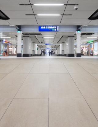 Centraal-Station-Amsterdam-06.jpg