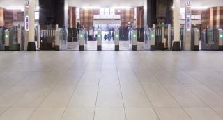 Centraal-Station-Amsterdam-10.jpg