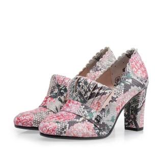 Notes-Van-Bommel-shoes-01.jpg