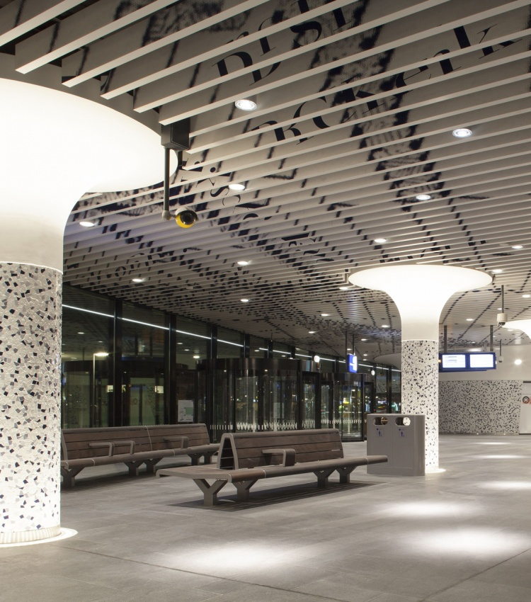 Stationshal-Delft-05.jpg