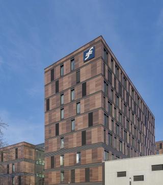 School-of-Finance-and-Management-Frankfurt-25.jpg