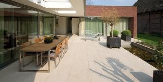 the-home-of-the-Jacobs-family-Eijsden-03.jpg